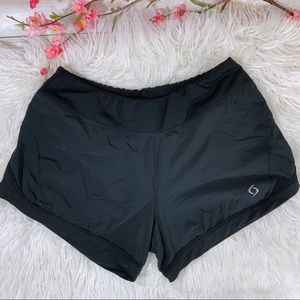 Moving Comfort shorts size M